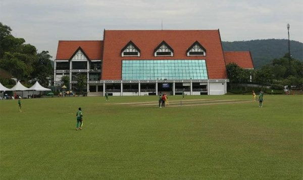Club cricketer dislocates jaw while sledging his opponent