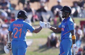 KL Rahul and Manish Pandey communicate in Kannada
