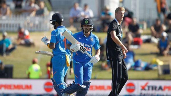 KL Rahul and Manish Pandey communicate in Kannada VS New Zeland