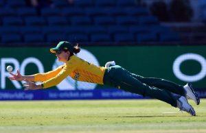 Laura Wolvaardt's stunning catch in Women's T20 World Cup 2020